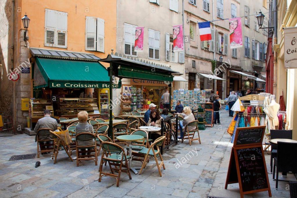 terrasse restaurant croissant rose